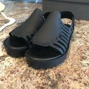Melissa LIKE NEW! 8 sandals comfy cute